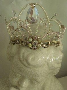 Tara just made me a small version of a beaded crown for Mother's Day!Tara just made me a small version of a beaded crown for Mother's Day! Royal Jewels, Crown Jewels, Marie Antoinette, Shabby Vintage, Vintage Accessoires, Party Hard, Invisible Crown, Circlet, Lady Grey