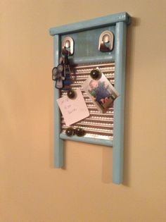 Ubcycled washboard key rack message board