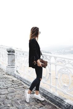 Style ! Charlize Watches || Minimal & Simplistic || www.charlizewatches.com