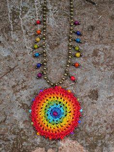 Arco iris gitanos MANDALA crochet collar boho por PanoParaTanto