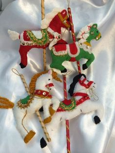 Vintage Handmade Carousel Horse Felt Christmas Ornaments/ Lot Of 4 Think I could. Vintage Handmade Carousel Horse Felt Christmas Ornaments/ Lot Of 4 Think I could recreate these with mod colors. Antique Christmas Decorations, Victorian Christmas Ornaments, Christmas Ornaments To Make, Christmas Sewing, Vintage Ornaments, Handmade Ornaments, Felt Ornaments, Handmade Christmas, Christmas Christmas