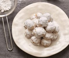 flour ½ tsp baking powder USEFUL ITEMS Baking paper Greek Christmas, Christmas Cakes, Xmas, Blanched Almonds, Tray Bakes, Garlic, Oven, Butter, Yummy Food