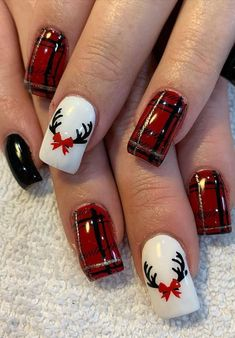 Cool and Stylish Christmas Nail Decoration Ideas Part 22 - Christmas Nail Art Designs Christmas Gel Nails, Xmas Nail Art, Christmas Nail Art Designs, Holiday Nails, Christmas Makeup, Nail Art For Christmas, Winter Christmas, Reindeer Christmas, Nagellack Design