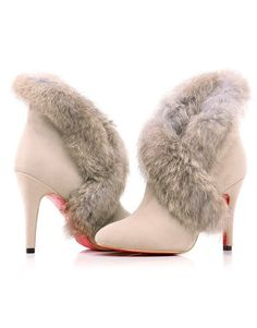Christian Laboutin >>In dreams I am walking in these