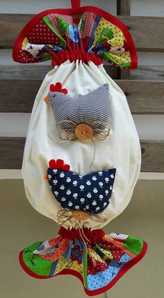Sewing Crafts, Sewing Projects, Snap Bag, Diy And Crafts, Arts And Crafts, Chicken Crafts, Plastic Bag Holders, Owl Pillow, Hanging Towels