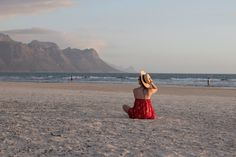 Travel Diary Kapstadt, Cape Town, South Africa, sunset, traveller, travelheart, travellover, travelblogger, beach, girl, sea, red dress
