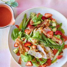 Salat mit Hähnchen und Erdbeer-Dressing