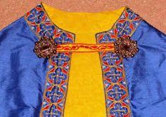 Kragenschließe eines aufwändig bestickten Umhangs 12th Century, Mantel, Medieval, Costumes, Clothes, Roman, Age, Ideas, Fashion