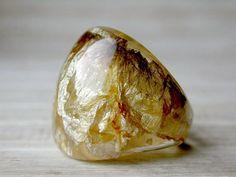 fish skin - or gold leaf in resin ?