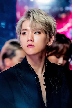 Autumn Sarang - I think Baekhyun looks like Victor from Yuri on Ice with this style of hair Baekhyun Chanyeol, Exo K, Park Chanyeol, Exo Ot12, Chanbaek, Kim Junmyeon, K Idols, Ikon, Boy Groups