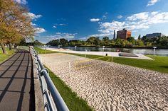 Bulwar Politechniki Wrocławskiej (Wybrzeże Wyspiańskiego) – drugie miejsce w kategorii obiekt inżynierski, przestrzeń publiczna – wykonawca Park-M