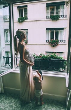 Amazing photo #maternitystyle #pregnancy #momstyle #mamastyle #fashion #pregnancylook Visit our website www.circu.net
