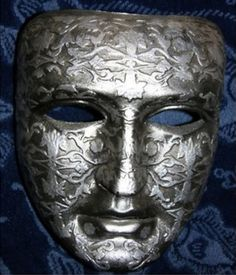 Balduíno IV tinha coragem suficiente para dispensar o uso de máscaras. Fato comprovado em Montgisard.
