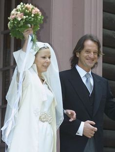 Princess Kalina of Bulgaria and Spanish Explorer Kitin Munoz    Two hundred guests watched as the daughter of former Bulgarian King Simeon Saxe-Coburg-Gotha said 'I do' to Spanish explorer Kitin Mucoz at the Tsarska Bistritza Palace in Borovets, Bulgaria in October 2002. The bride, 30, donned a Bulgarian-designed gown with white sandals and a belt reminiscent of the country's national dress.