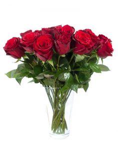 Rote Rosen der Sorte 'Upper Class' - traumhafte Rosen entdecken auf Blumigo.de! Ganzjährig Saison im Januar, Februar, März, April, Mai, Juni, Juli, August, September, Oktober, November und Dezember. #blumen #schnittblumen #hochzeit #hochzeitsblumen #hochzeitsdeko #weddingflowers #roses