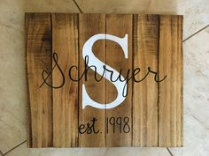 Pallet anniversary sign