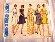Vintage 1970s Vogue 2702 basic dress sewing pattern