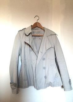 A vendre sur #vintedfrance ! http://www.vinted.fr/mode-femmes/autres-manteaux-and-vestes/21226678-veste-trench-gris-cache-cache