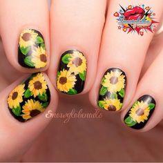 Sunflower nails