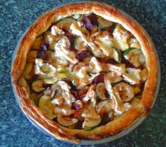 Camembert Leek and Pancetta Tart is a rustic French dish, very quick and easy to make, and suitable for an inexperienced cook to have a try. Use ready-made puff pastry to save time and mess. New Recipes, Cooking Recipes, French Dishes, Fruit And Veg, Quick Easy Meals, Vegetable Pizza, Rustic French, Bacon, Good Food