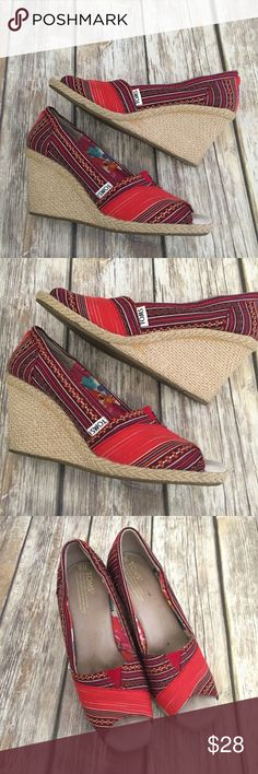 Toms Tribal Print Open Toe Wedge Heels These Toms tribal Printed wedge heels are a size 8. Minor wear as pictured. ⚓️No trades or holds. I accept reasonable offers unless the item is priced at $8 or less and then the price is FIRM. I only negotiate through the offer button. I do not model. I ship within two business days of your order. I only use Posh. 🚭🐩B2 TOMS Shoes Wedges