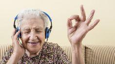 Los adultos mayores han sido capaces de incorporar nuevos conocimientos a lo…