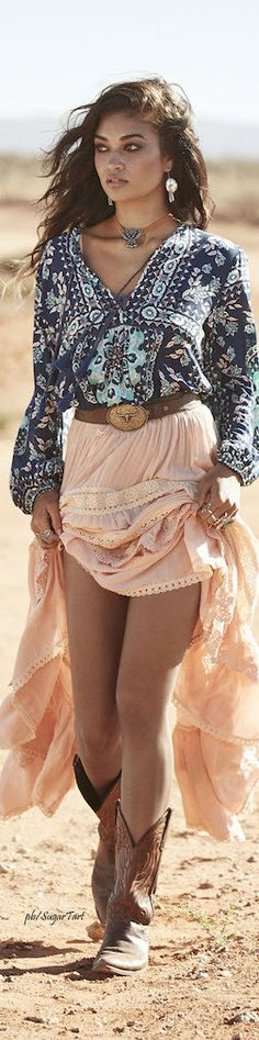 Love this cute Coachella outfit looks soo beautiful and amazing my favourite love it amazing soo beautiful my favourite amazing.