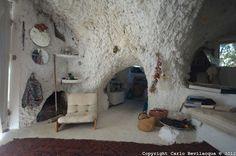 gisbert lippelt's cave house