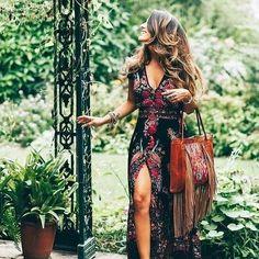 """Boho Dress Code on Instagram: """"#bohostyle #bohovibes #bohogypsy #bohochicstyle #bohoinspired #bohomodern #boholife #bohemianstyle #womenclothes #modernboho"""" Dress For You, The Dress, Beautiful Dress Designs, Beautiful Dresses, Nice Dresses, Maxi Dresses, Awesome Dresses, Fashion Dresses, Casual Street Style"""
