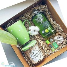 Log in or register to view Green tea bath soak gift box # design # Bikes Christmas Gift Baskets, Christmas Gift Box, Diy Gift Baskets, Xmas Gifts, Cute Gifts, Basket Gift, Homemade Gifts, Diy Gifts, Green Tea Bath