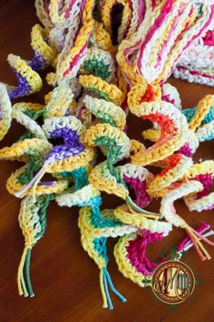 Free PDF crochet picture tutorial from Mad Mad me. Long live the Handmade Revolution!