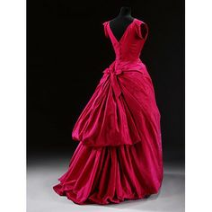 Cristóbal Balenciaga, born 1895 - died 1972 (designer), Paris, France, 1953-54, Silk taffeta, mounted on a boned and padded foundation, fastened with a metal zip and buttons, machine-sewn and hand-finished; the flounces of the skirt are wired