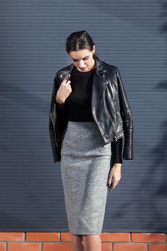Pencil Skirt Outfits, Grey Pencil Skirt, Gray Skirt, Bodycon Midi Skirt, Combo Dress, Classic Wardrobe, Rockn Roll, Thrift Fashion, Fashion Group