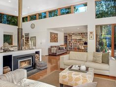 Bush retreat for sale at Sun Valley connects to outside world - realestate.com.au