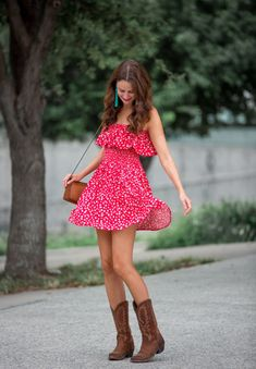 The Miller Affect wearing a red bbdakota off the shoulder dress with brown cowboy boots # cowboy boots outfit summer Shopbop Friends and Family Sale Picks Summer Boots Outfit, Bootfahren Outfit, Cool Summer Outfits, Spring Outfits, Winter Outfits, Summer Shoes, Country Music Outfits, Country Concert Outfit, Country Dresses
