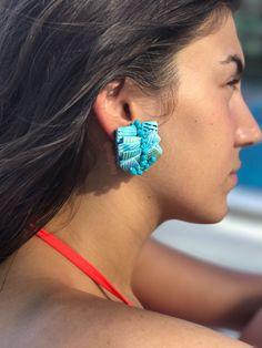 midye kabuklarından masmavi küpe 👉 #nubynu  #handmade #design #accessories #fashion #moda #girl #woman #trend #takı #jewellery #tasarım #style #aksesuar #küpe #earings #kişiyeözel #summerfashion #bodrum #çeşme