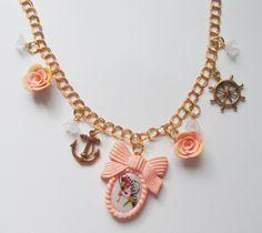 Collana cammeo rosa antico con donna old style , ancore e timoni