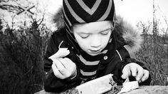 Tændt gps og tændt barn. Geocaching er moderne skattejagt for hele familien.