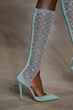 Our Fashion Life Georges Hobeika, Couture Shoes, Couture Fashion, Haute Couture Handbags, Fashion Shoes, Fashion Accessories, Runway Shoes, Sexy Boots, Sexy Heels