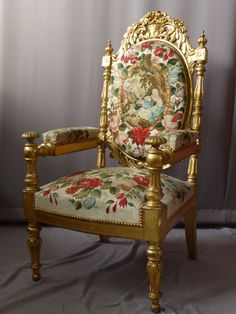 Grand #pageantry #giltwood #armchair covered with a #tapestry decorated with flowers and a love scene. #19th century. For sale on Proantic by Philippe Cote Antiquités.