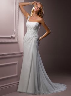 Completely in love. The one shoulder and side gathering. Everything I'm looking for!