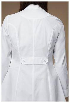 Cherokee Medical 2410 Bata de Laboratorio para Mujer Scrubs Outfit, Scrubs Uniform, Dental Uniforms, Doctor Scrubs, Doctor Coat, White Lab Coat, School Uniform Fashion, Work Fashion, Fashion Outfits