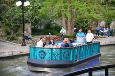One of the most unique #SanAntonio experiences you can have is a dinner cruise on The San Antonio River Walk.