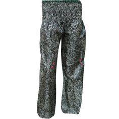 https://www.walmart.com/ip/Mogul-Women-s-Yoga-Harem-Pant-With-Front-Pockets-Floral-Print-Trousers/728514485 #pant #harempant #yogapant #trouser