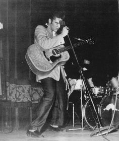 Elvis on May 1956 in Minneapolis, Minnesota Elvis Presley, Memphis, Minneapolis Minnesota, King, Handsome Man, Black And White, Concerts, Stage, Suit