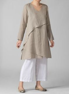PLUS Clothing - Linen Layering V-neck Tunic Would like this type of style, but in something other than linen. Something that mostly looks ironed. Boho Fashion, Fashion Outfits, Womens Fashion, Fashion Design, Gothic Fashion, Pear Fashion, Trendy Fashion, Beautiful Outfits, Cool Outfits