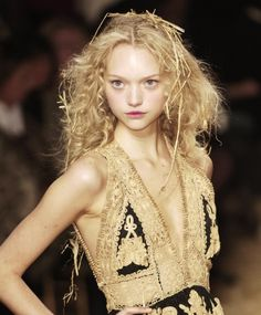 Gemma Ward.  crazy wonderful galliano hair.