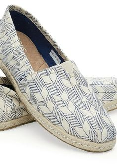 So Cheap!! $16.49 Toms Outlet discount site!!Check it out!! Women Toms Shoes, Men Toms Shoes and kids Toms Shoes, fashion style 2015.