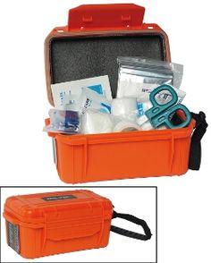 Mil-Tec® - Erste #Hilfe Set wasserdicht und bruchsicher - Inhalt: 1 x Rettungsdecke, 5 x Heftpflaster, 2 x Packungen / Mullbinde 5 x 5, 1 x Schere, 3 x Feuchttücher, 3 x sterile Feuchttücher, 1 x Micropore-Tape, 1 Paar latexfreie Handschuhe, 2 x Mullbinden 7,5 x 4, 1 x Mund zu Mund Beatmungsmaske. http://kurzurl.net/Mil-Tec-Erste-Hilfe-Set