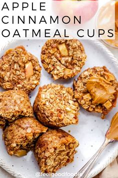 Recipes Breakfast Kids This Apple Cinnamon Oatmeal Cups recipe is a cross between baked oatmeal & muffins. It's made with simple vegan ingredients & makes for a healthy breakfast! Vegan Baked Oatmeal, Baked Oatmeal Cups, Baked Oatmeal Recipes, Oats Recipes, Apple Recipes, Baked Oats, Baked Oatmeal With Apples, Healthy Recipes With Apples, Amish Recipes